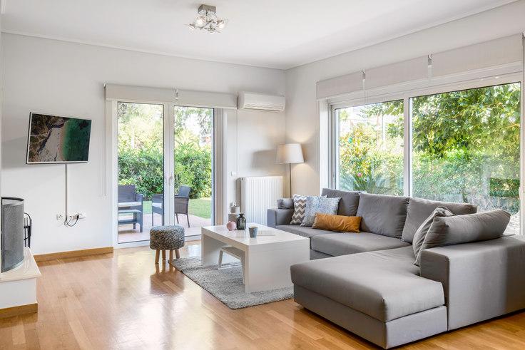 1 bedroom furnished apartment in Saki Karagiorga II 90, Glyfada, Athens, photo 1