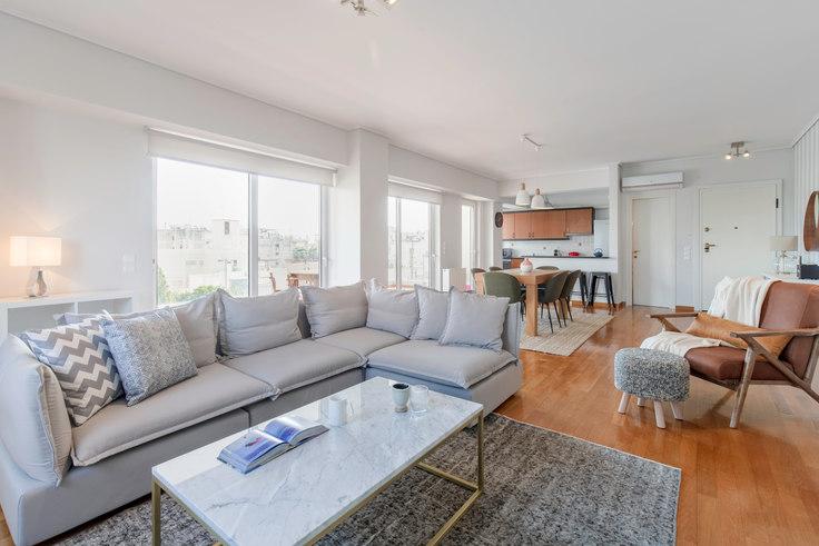 3 bedroom furnished apartment in Saki Karagiorga III 136, Glyfada, Athens, photo 1