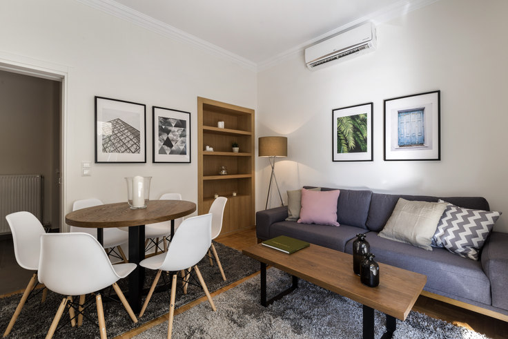2 bedroom furnished apartment in Agias Sofias 333, Neo Psychiko, Athens, photo 1