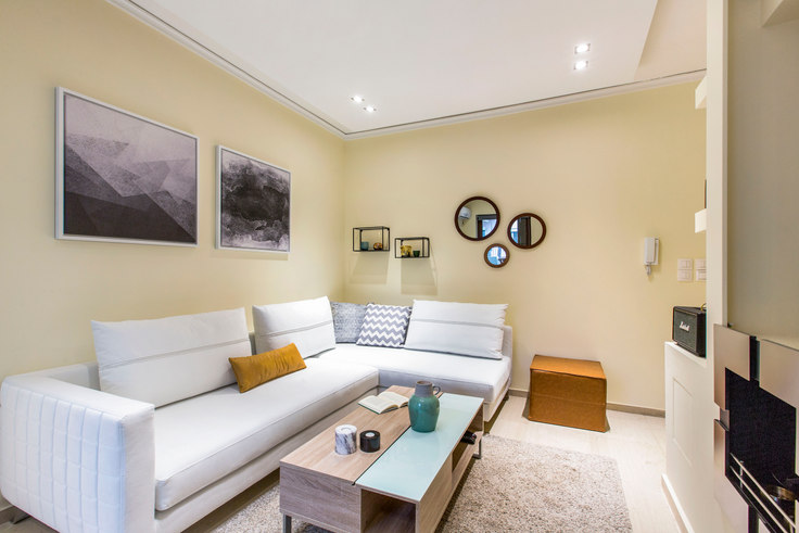 1 bedroom furnished apartment in Grigoriou Afxentiou 386, Alimos, Athens, photo 1
