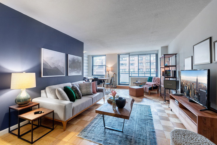 1 bedroom furnished apartment in Murray Hill Tower, 245 E 40th St 40, Murray Hill, New York, photo 1