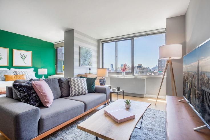 Studio furnished apartment in 1 Union Sq S 95, Flatiron, New York, photo 1