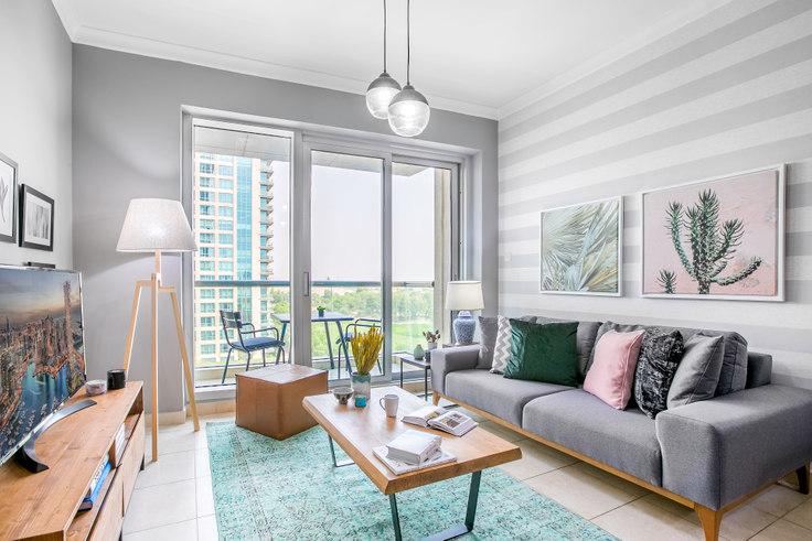 1 bedroom furnished apartment in The Fairways Apartment 265, The Fairways, Dubai, photo 1