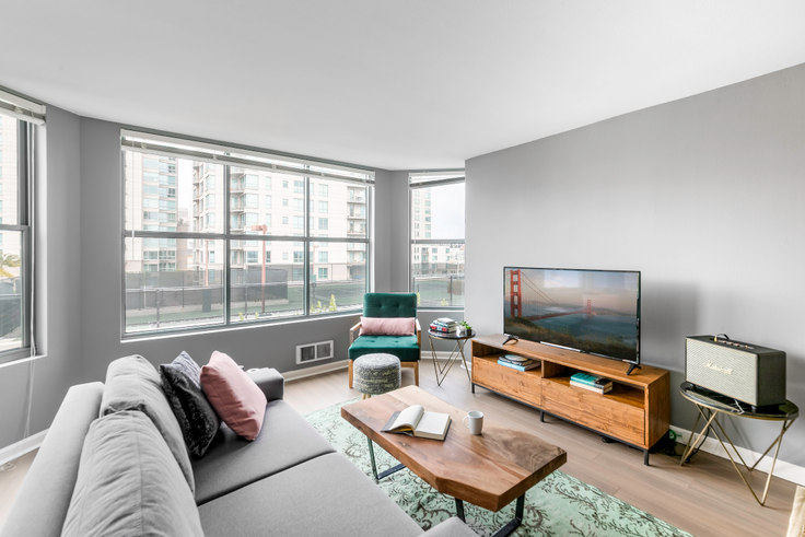 2 bedroom furnished apartment in South Beach Marina Apartments, 2 Townsend St 29, South Beach, San Francisco Bay Area, photo 1