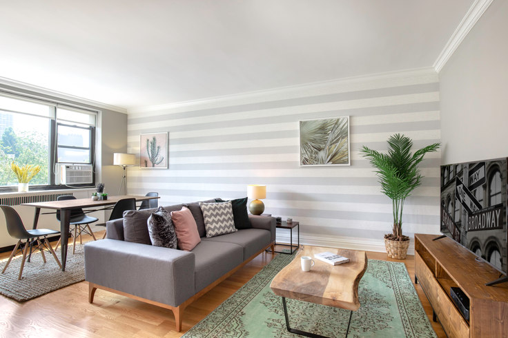 1 bedroom furnished apartment in 10 Downing St 132, West Village, New York, photo 1