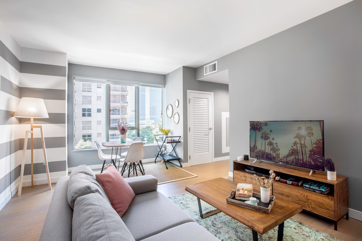 1 bedroom furnished apartment in The Emerson, 225 S Grand Ave 1, Downtown, Los Angeles, photo 1