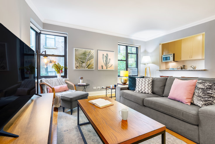 1 bedroom furnished apartment in 10 Downing St 157, West Village, New York, photo 1
