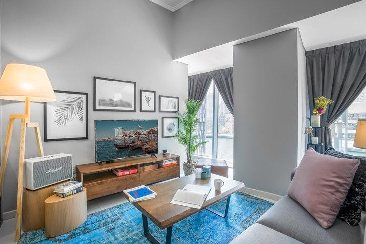 Studio furnished apartment in Cayan Studio IV 290, Cayan Tower, Dubai, photo 1