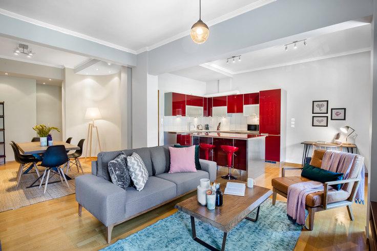 2 bedroom furnished apartment in Meandrou 531, Vasilissis Sofias Avenue, Athens, photo 1