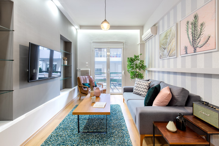 2 bedroom furnished apartment in Aeroporou Papanastasiou 534, Vasilissis Sofias Avenue, Athens, photo 1