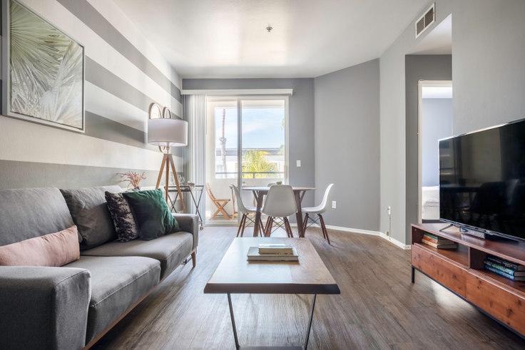 1 bedroom furnished apartment in Tierra Del Rey, 4250 Glencoe Ave 18, Marina del Rey, Los Angeles, photo 1