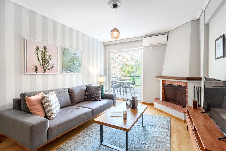 2 bedroom furnished apartment in Genneou Kolokotroni 560, Koukaki, Athens, photo 1