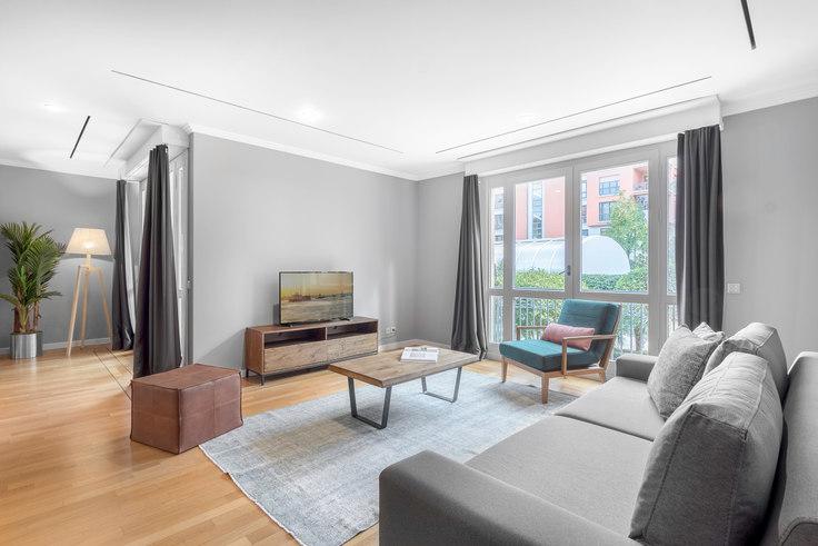 4 bedroom furnished apartment in Sarikonaklar - 197 197, Akatlar, Istanbul, photo 1
