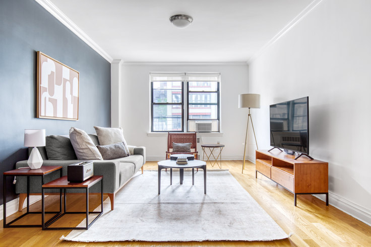 1 bedroom furnished apartment in Stonehenge Gardens, 108 W 15th St 205, Chelsea, New York, photo 1