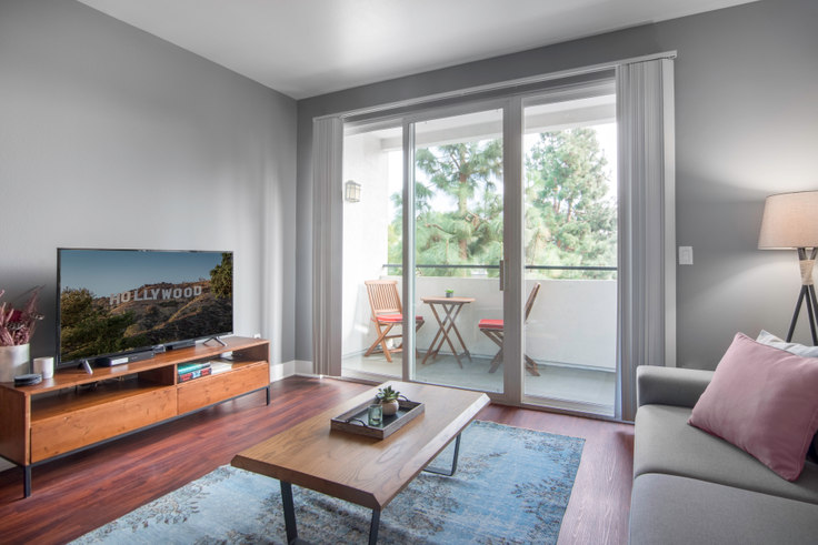 2 bedroom furnished apartment in Tierra Del Rey, 4250 Glencoe Ave 29, Marina del Rey, Los Angeles, photo 1