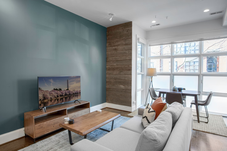 2 bedroom furnished apartment in 2108 10th St NW 19, U Street, Washington D.C., photo 1