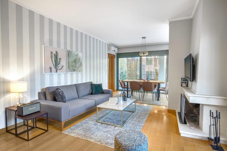2 bedroom furnished apartment in Pesmazoglou II 598, Kifisia, Athens, photo 1