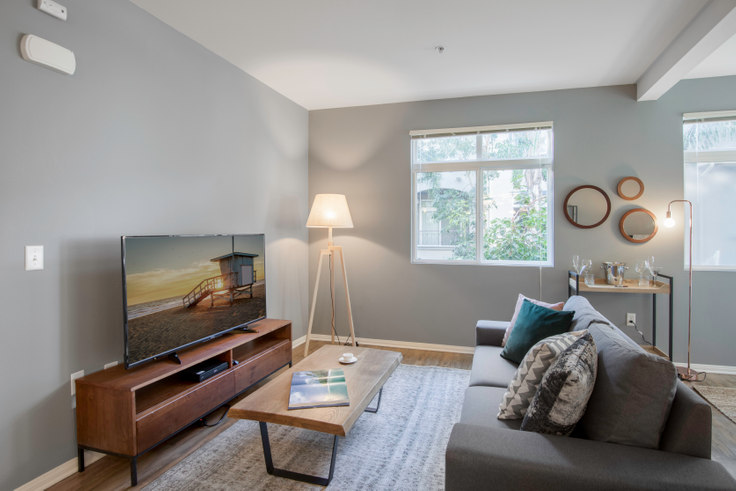 1 bedroom furnished apartment in Playa Del Oro, 8601 Lincoln Blvd 40, Playa del Rey, Los Angeles, photo 1