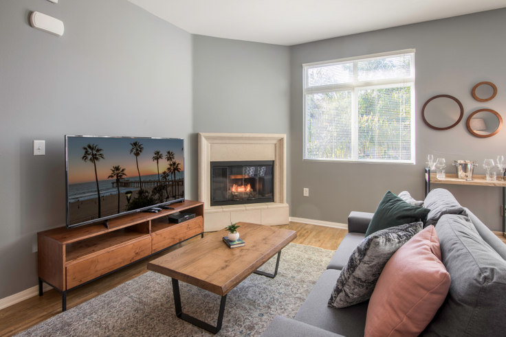 1 bedroom furnished apartment in Playa Del Oro, 8601 Lincoln Blvd 41, Playa del Rey, Los Angeles, photo 1