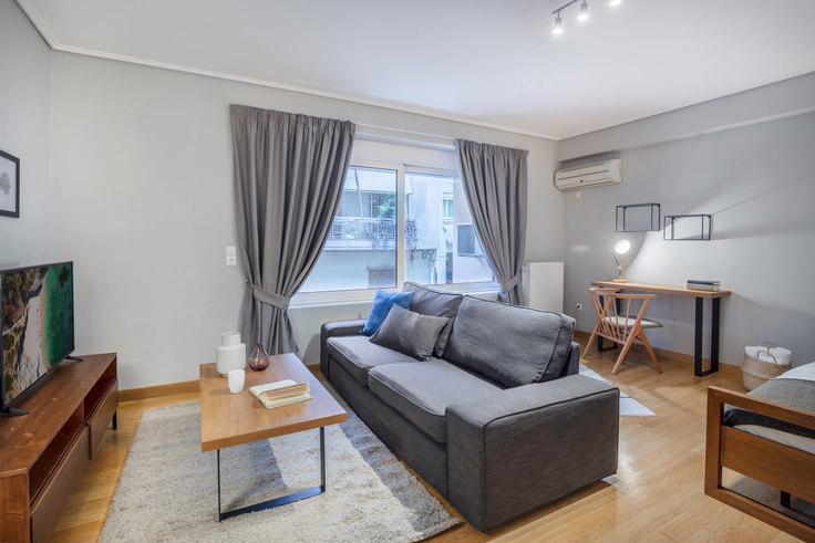 Studio furnished apartment in Doxapatri II 609, Kolonaki, Athens, photo 1