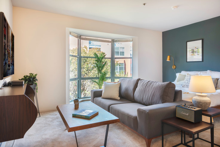Studio furnished apartment in 180 Brannan St 93, South Beach, San Francisco Bay Area, photo 1