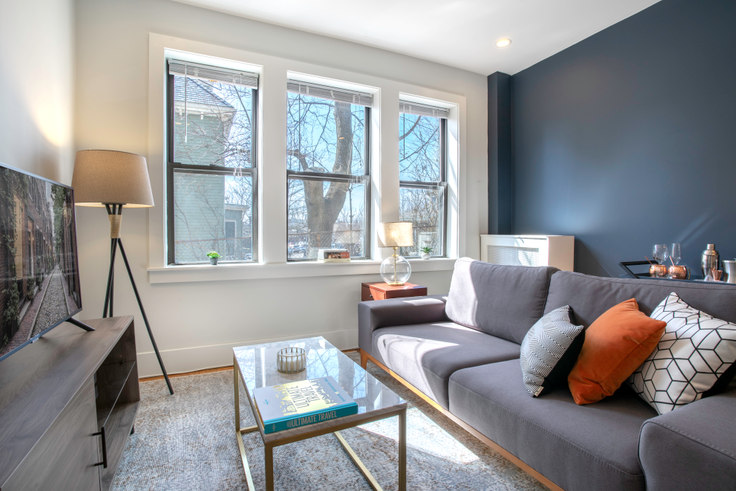 2 bedroom furnished apartment in 12 Elko St 68, Brighton, Boston, photo 1