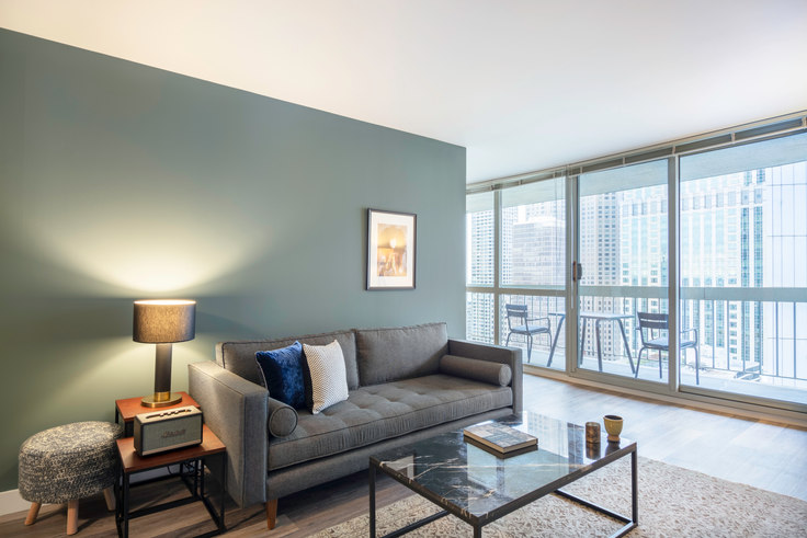 1 bedroom furnished apartment in 1 E Delaware, 1 E Delaware Pl 64, Gold Coast, Chicago, photo 1