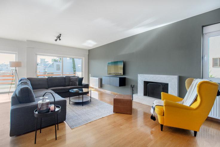 3 bedroom furnished apartment in Saki Karagiorga V 686, Glyfada, Athens, photo 1