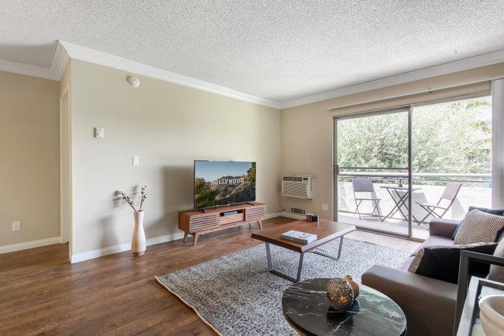 2 bedroom furnished apartment in Westside Terrace, 3636 S Sepulveda Blvd 95, West LA, Los Angeles, photo 1