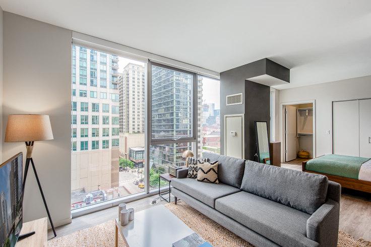 Studio furnished apartment in 8 E Huron St 77, River North, Chicago, photo 1