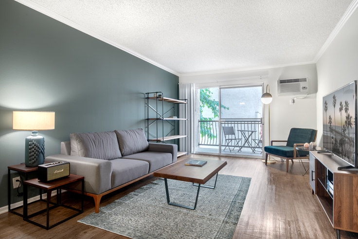 1 bedroom furnished apartment in The Palms, 3450 Sawtelle Blvd 107, West LA, Los Angeles, photo 1