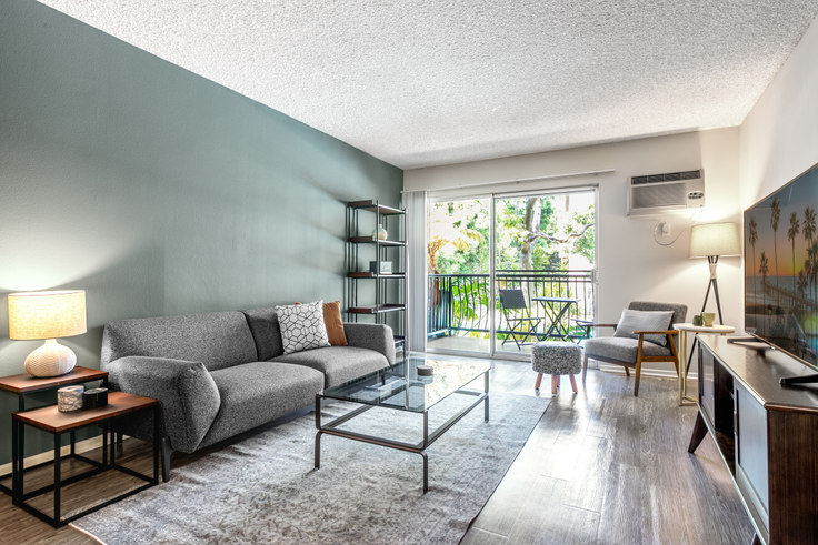 1 bedroom furnished apartment in The Palms, 3450 Sawtelle Blvd 108, West LA, Los Angeles, photo 1