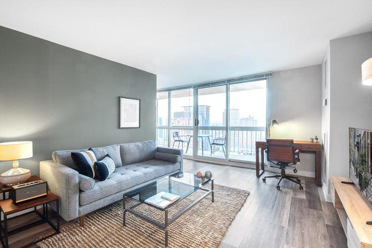 1 bedroom furnished apartment in 1 E Delaware, 1 E Delaware Pl 83, Gold Coast, Chicago, photo 1