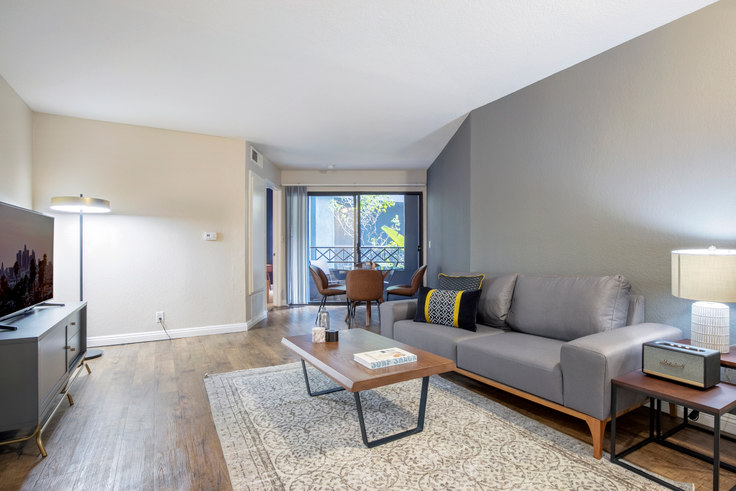 1 bedroom furnished apartment in The Jeremy, 1920 Sawtelle Blvd 110, West LA, Los Angeles, photo 1