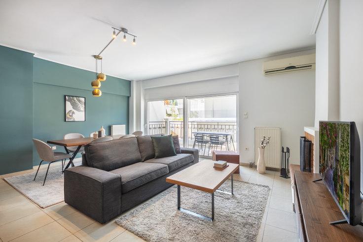 2 bedroom furnished apartment in Konstantinou Neri II 705, Mets - Kallimarmaro, Athens, photo 1