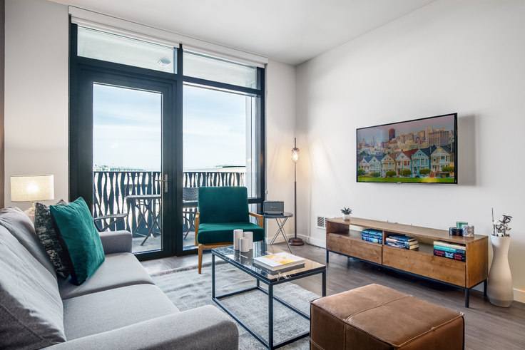 2 bedroom furnished apartment in Azure, 690 Long Bridge St 142, Mission Bay, San Francisco Bay Area, photo 1
