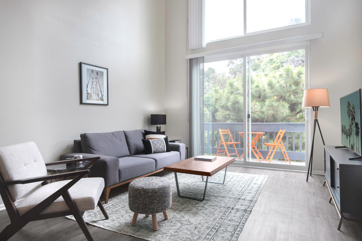 2 bedroom furnished apartment in 17250 Sunset Blvd 113, Pacific Palisades, Los Angeles, photo 1