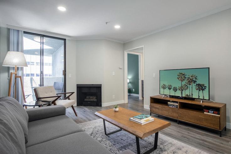 1 bedroom furnished apartment in 4378 Sepulveda Blvd 497, Sherman Oaks, Los Angeles, photo 1