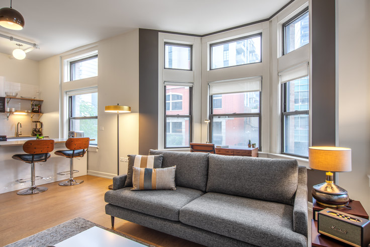 1 bedroom furnished apartment in Bush Temple, 108 W Chicago Ave 90, River North, Chicago, photo 1