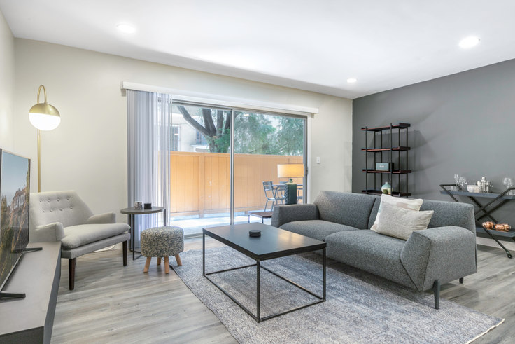 2 bedroom furnished apartment in 312 Willaman Drive 124, Beverly Grove, Los Angeles, photo 1