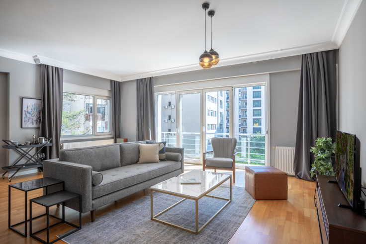 4 bedroom furnished apartment in Sevgili Residence - 330 330, Göztepe, Istanbul, photo 1