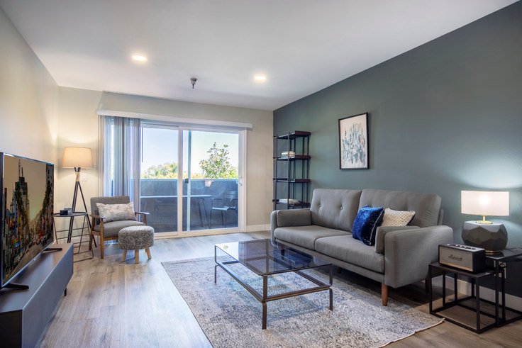 1 bedroom furnished apartment in Terrace at the Grove, 110 S Sweetzer Ave 128, Beverly Grove, Los Angeles, photo 1