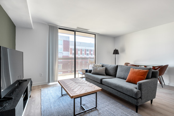 1 bedroom furnished apartment in The Remington, 601 24th St NW 86, Foggy Bottom, Washington D.C., photo 1