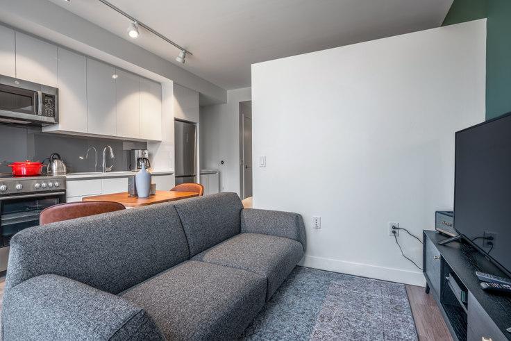 Studio furnished apartment in Hub50House, 50 Causeway St 131, North Station, Boston, photo 1