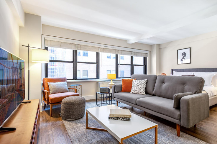 Studio furnished apartment in Renoir House, 225 E 63rd St 327, Upper East Side, New York, photo 1