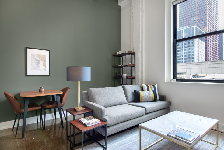 1 bedroom furnished apartment in The Alfred, 30 E Adams St 101, The Loop, Chicago, photo 1