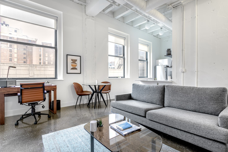 1 bedroom furnished apartment in The Alfred, 30 E Adams St 102, The Loop, Chicago, photo 1