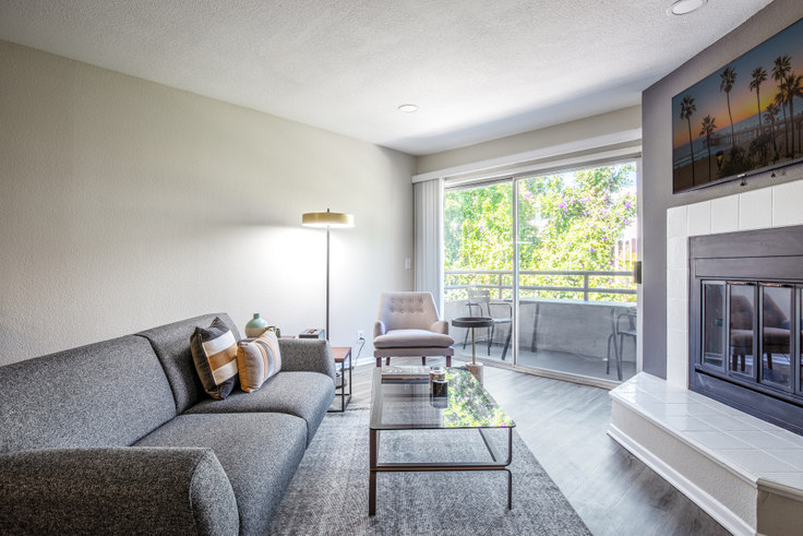 2 bedroom furnished apartment in 1626 Malcolm Ave 137, Westwood, Los Angeles, photo 1
