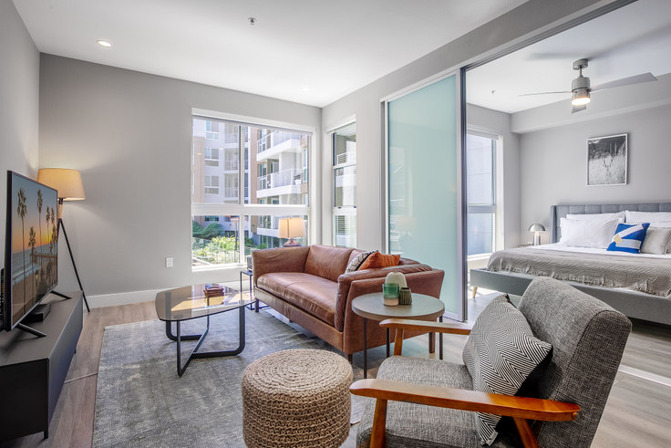 1 bedroom furnished apartment in Avalon West Hollywood, 7316 Santa Monica Blvd 157, West Hollywood, Los Angeles, photo 1