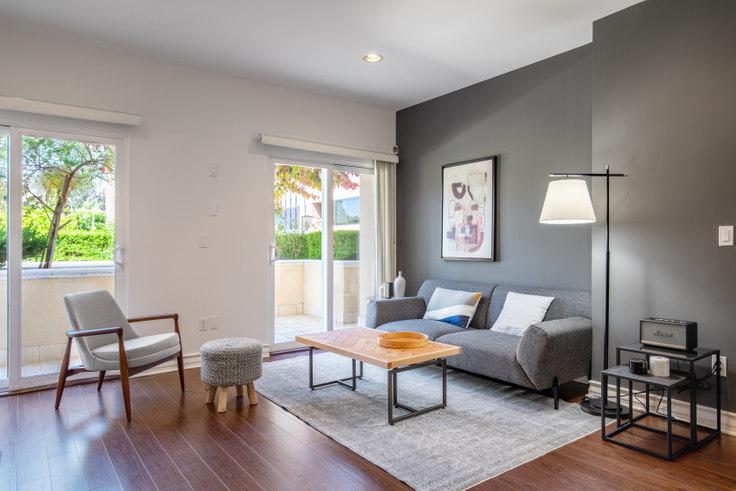 2 bedroom furnished apartment in McClellan Corner, 1212 McClellan Dr 177, Brentwood, Los Angeles, photo 1